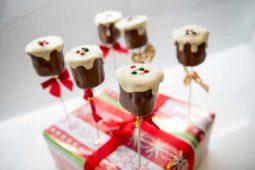 MARSHMALLOW CHRISTMAS PUDDINGS Julie Neville
