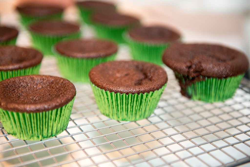 ST PATRICKS MINT CUPCAKES recipe by home cooking with julie neville