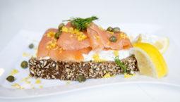 Mini smoked Salmon Sandwich with dill sour cream recipe
